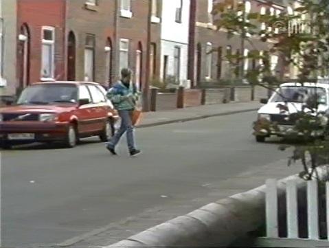 File:Street on paper route 2834.jpg
