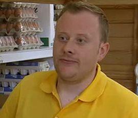 File:Shop Assistant (Episode 6652).jpg