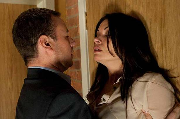 File:Frank attacks Carla september 2011.jpg