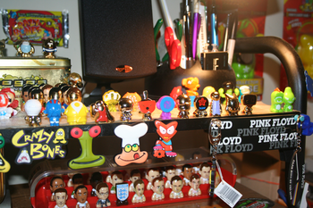 Now oly figures 001