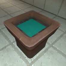 Creativerse flower pot with mineral water 2017-08-08