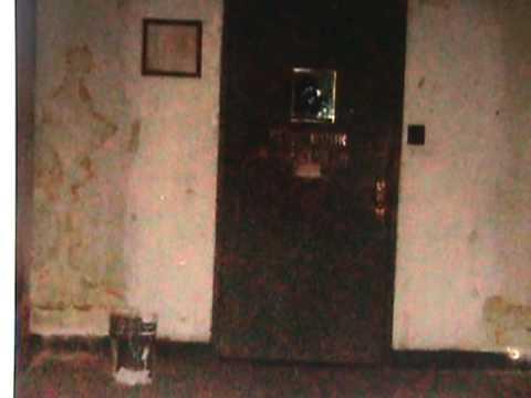 File:Outside the Door.jpg