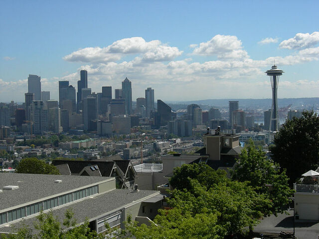 Archivo:800px-Seattle skyline from Queen Anne High School 01.jpg