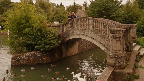 File:Robbie and Laura by the bridge in The Ramblin' Boy.png