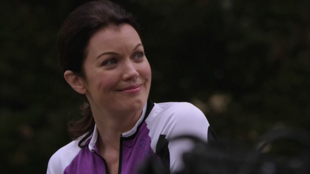 File:Bellamy Young appearing on the show.jpg