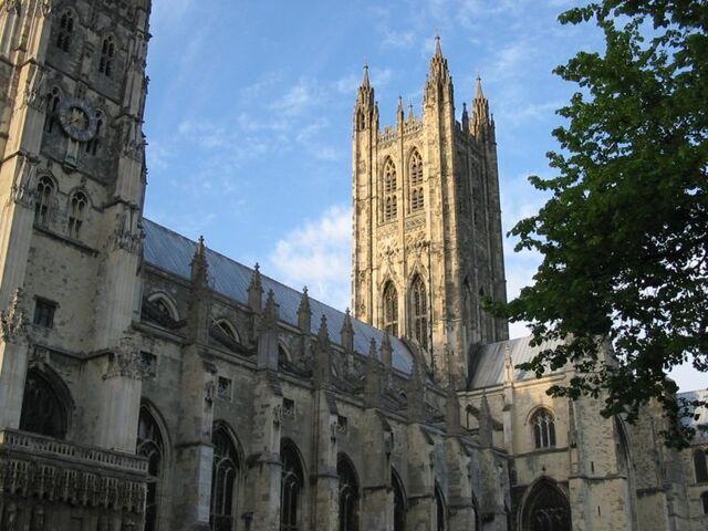 Arquivo:Canterbury cathedral.jpg