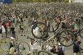 Critical mass budapest3 4.22.2006.jpg