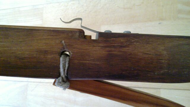 File:Pin lock - ready for bowstring - side.jpg