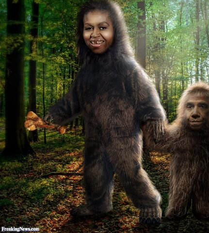 File:Little-Bigfoot-with-his-mother--100470.jpg