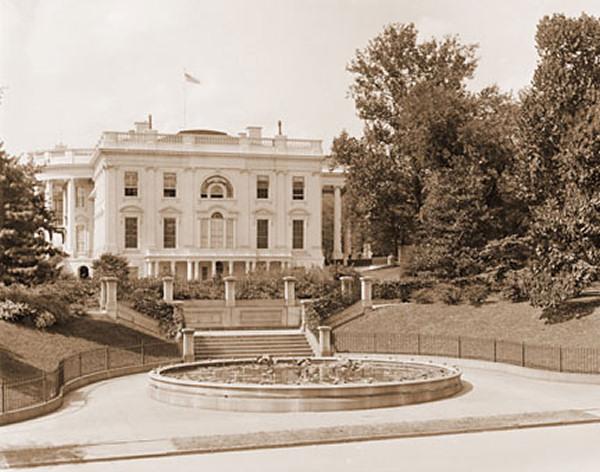 File:East-entrance-1899.jpg
