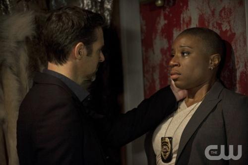File:Jeffrey Pierce as Stuart and Aisha Hinds as Detective Sakelik2.jpg