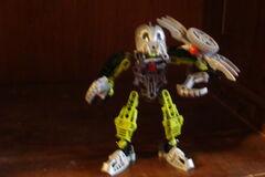 Bionicle's 003