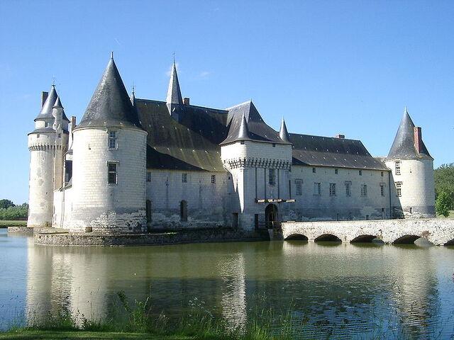 File:Chateau du Plessis-Bourre Vue SE no 02 2004-05-23.JPEG