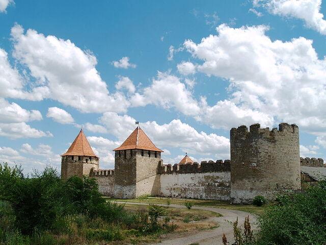 File:Bender Fortress. Northern side 02.JPG