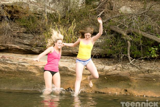 File:Dance-academy-swim-kat-tara.jpg