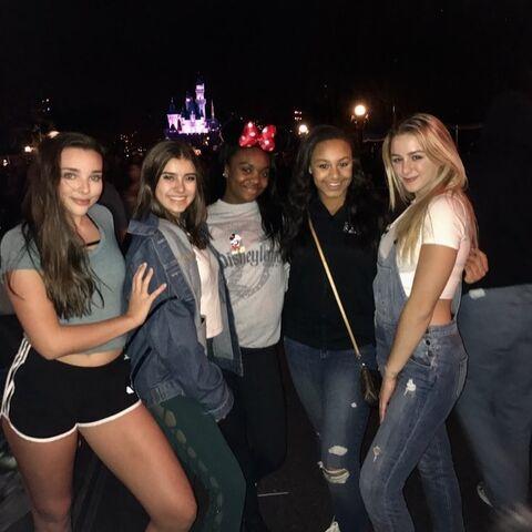 File:722 Girls at Disneyland.jpg