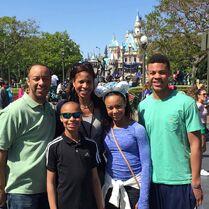 EvanSr Wi Holly Nia EvanJr 2015-04-06 Disneyland