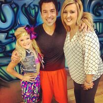 JoJo and Jessalynn with Mark Meismer again 2013-10-30