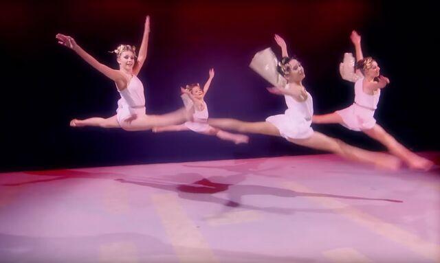 File:Dance Mums 206 group dance 1.jpg