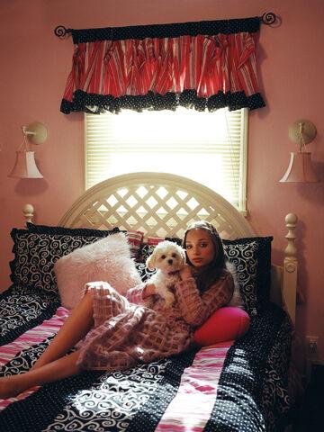 File:Maddie Elle Magazine 1.jpg