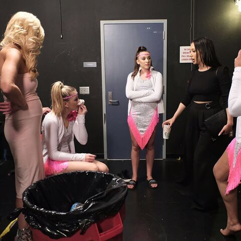 File:724 HQ - Christi, Chloe, Kendall and Cheryl.jpg