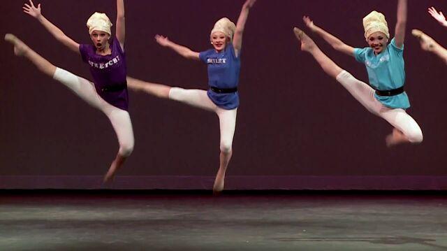 File:Seven Dancers extra - 0m45s.jpg