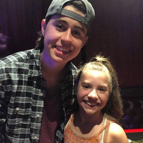 File:Mackenzie with Nash Grier - 2015-04-29.jpg