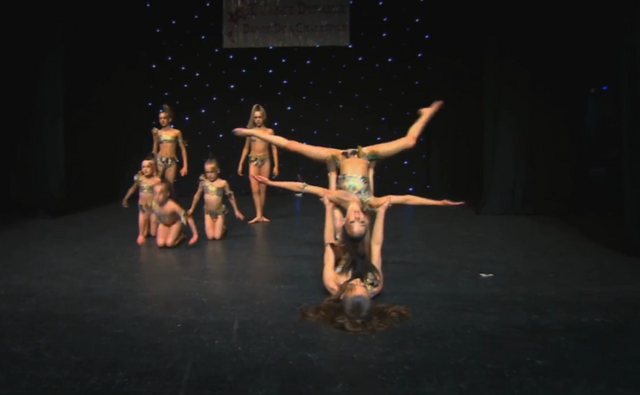 File:Dance Mums group 1.png
