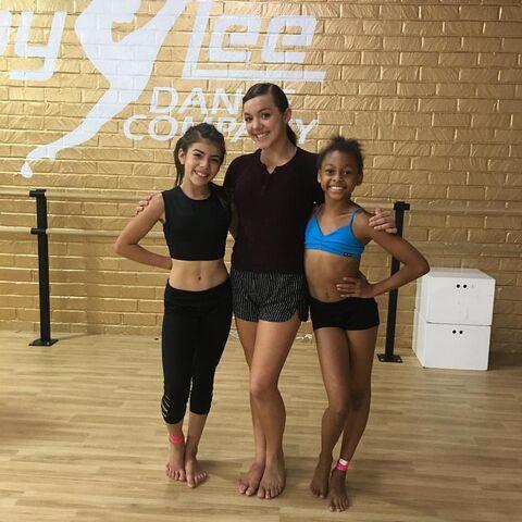 File:706 Daviana with ALDC LA dancers.jpg