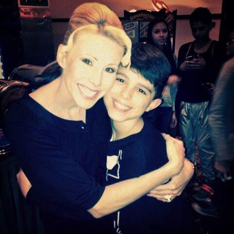 File:Jackie Lucia Lucas second mom Lucas-gram 2014-02-06.jpg