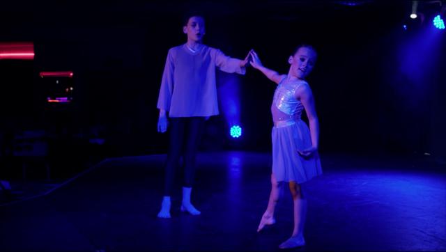 File:Dance Mums 208 Harry Chloe dance.png