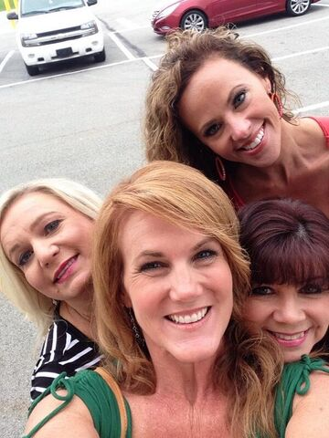File:Tami twitter 29May2014 with Tracey Jeanette Jodi.jpg
