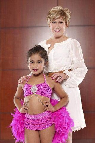 File:Vivi-anne-stein-dance-moms.jpg