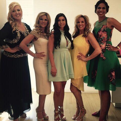 File:532 Reunion - Jessalynn Melissa Kira Melissa Holly - posted 2015-06-03.jpg