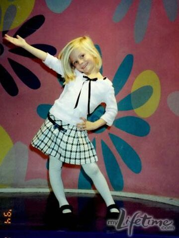 File:Young Paige posing.jpg