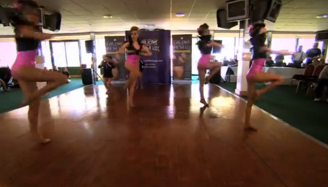 File:Dance Mums group 4.png