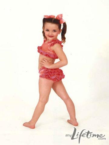 File:Little kendall dance.jpg