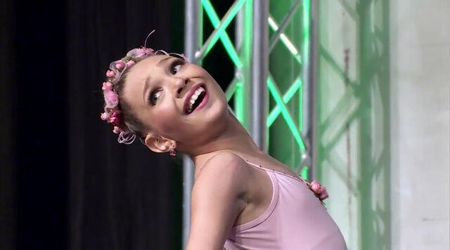File:405 Ballerina (2).jpg
