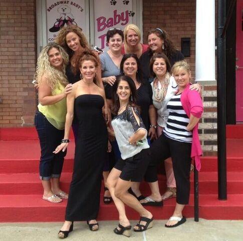 File:Melanie Jeanette Liza Abby Renee Cindy Shari Sharon et al 2013 Booty Camp crop.jpg