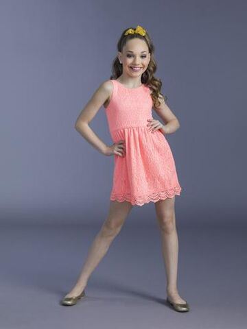 File:Maddie Season 4B alternate.jpg