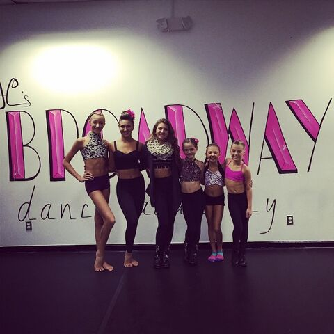 File:Ava with jeanettes broadway dance academy team members.jpg