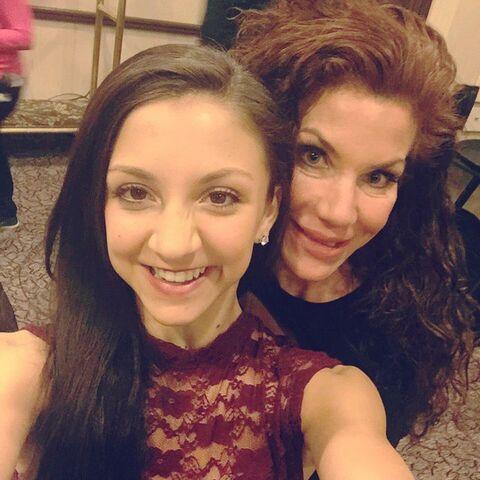 File:Tessa and mom Renee 2015-03-17.jpg