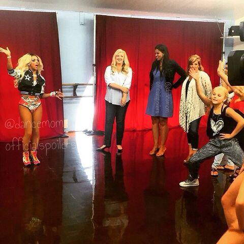 File:Shangela Laquifa - Dance Moms Season 5 - Jessalynn Holly Jill JoJo - 2015-04-24 via dancemomofficialspoilers (watermarked).jpg