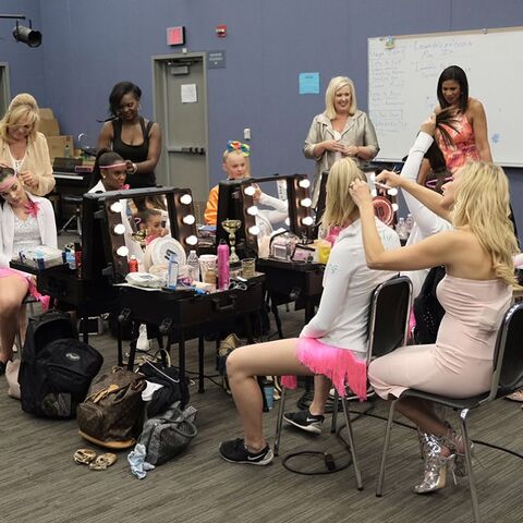 File:724 HQ - Girls getting ready for GD.jpg
