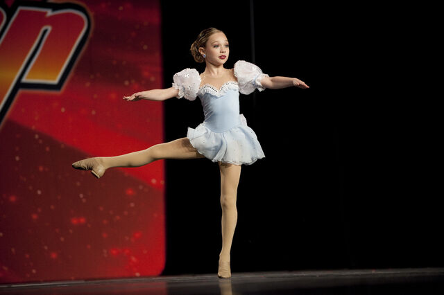 File:Dance6917.jpg