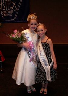 Chloe Lukasiak DMA 2011 Pennsylvania Title-with Maddie Ziegler