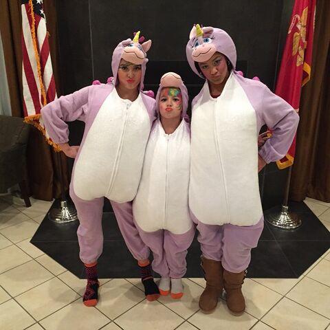File:504 Unicorns Nia-gram with Kalani Mackenzie.jpg