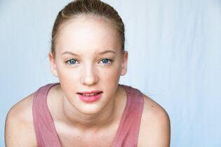 Addison for Taye Hansberry (2)