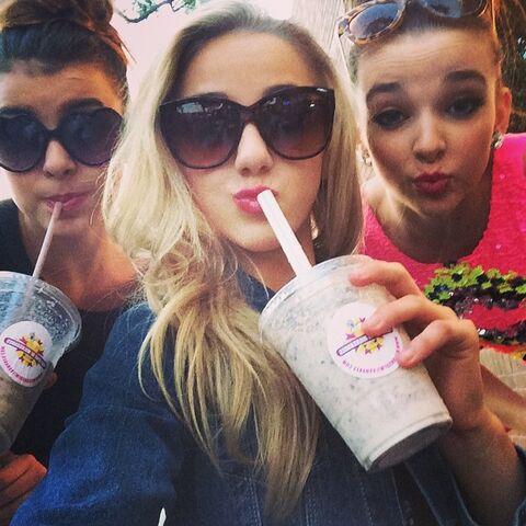 File:Rare Instagram Photo - Kalani & Chloe & Kendall Drinking Milkshakes.jpg