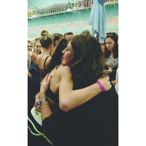 File:Tessa hugging Abby - thanking Abby in Tumblr post in April 2015.jpg